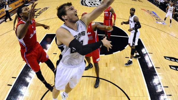 Splitter, de San Antonio Spurs.