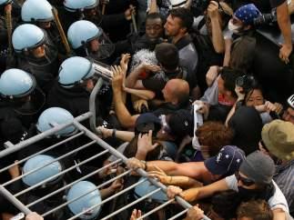 Batalla en las calles de Chicago en las protestas contra la OTAN