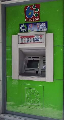 Los bancos pagar n hasta 688 euros de tasa municipal por for Cajeros barcelona