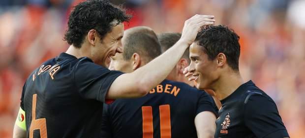 Holanda se reanima con una victoria ante Eslovaquia (2-0)