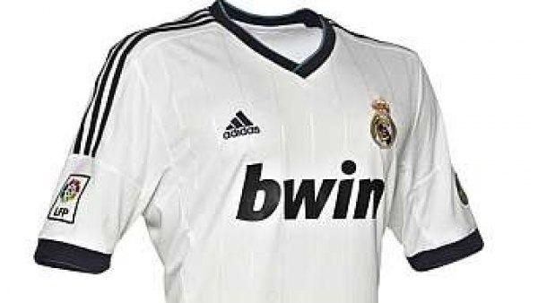 La equipación del Madrid para la temporada 2012-2013 refleja el 110  aniversario del club b0b8cf96de4bc