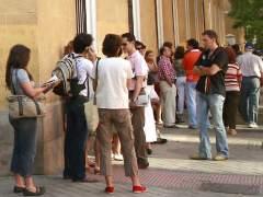 Colapso en las comisarías de Madrid para renovar el DNI con esperas de más de 70 días