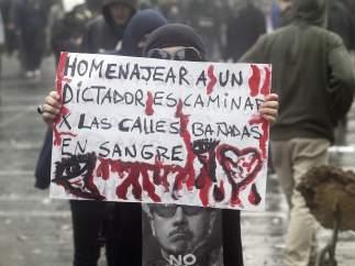 Chile protesta contra el homenaje a Pinochet