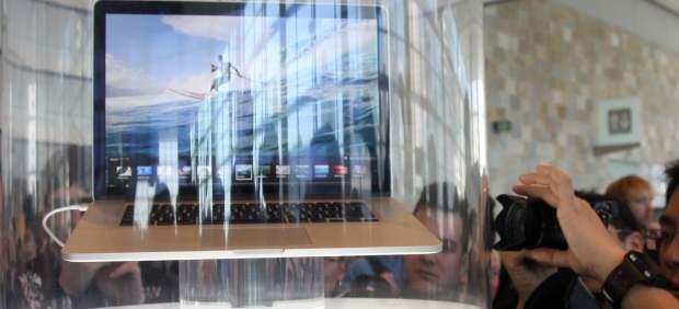 Apple lanza su nuevo MacBook Pro, anuncia Siri en español... y 'amenaza' a Google Maps
