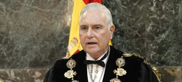 Carlos D�var