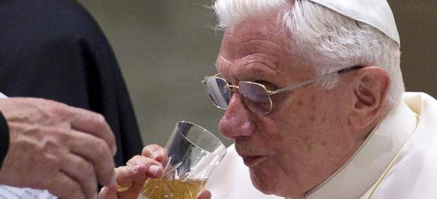 """El Papa tendrá una nueva cuenta en Twitter para """"dar mayor alcance al mensaje evangélico"""""""