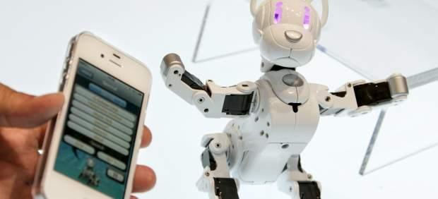 Los teléfonos móviles inteligentes se abren hueco entre los juguetes