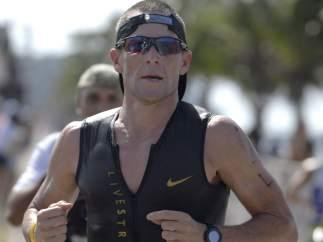 Armstrong en un triatlón