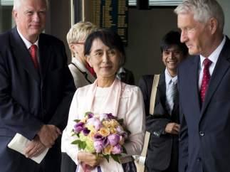 Suu Kyi llega a Noruega para recibir el Nobel de la Paz
