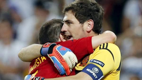 Iniesta - Casillas
