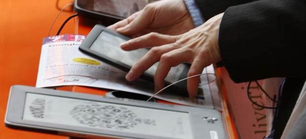 Las ventas de 'eReaders' caen un 36% por el auge de las tabletas