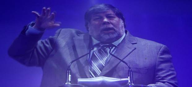 Steve Wozniak, cofundador de Apple, defiende la inocencia del creador de Megaupload