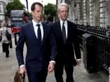 El expresidente de Barclays Marcus Agius acude a la comisión del Tesoro de la Cámara de los Comunes británica para declarar sobre la manipulación del Libor.
