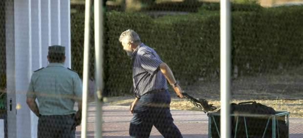 José Oubiña saliendo de la cárcel