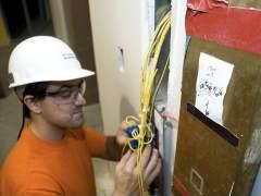 Electricistas y carpinteros, los puestos de trabajo más difíciles de cubrir en España