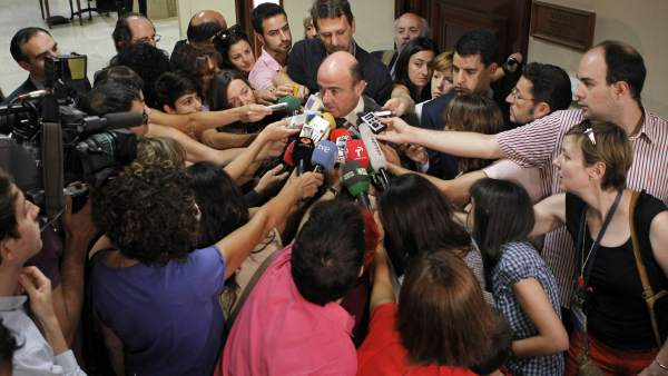 De Guindos explica el rescate a la banca