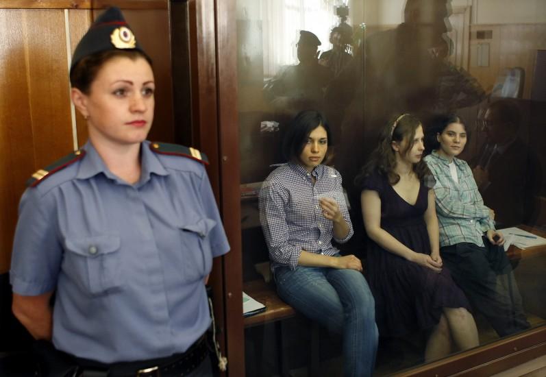 Juzgadas por cantar contra Putin
