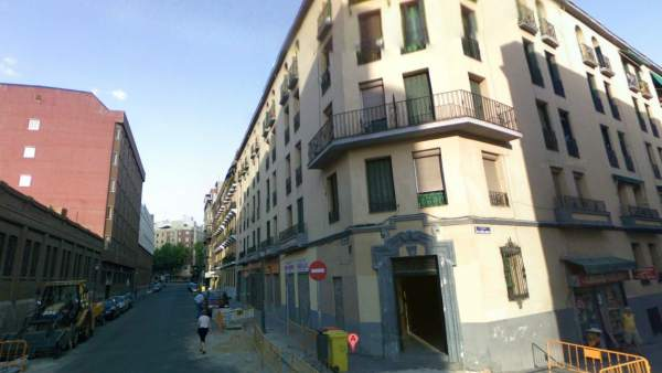 Detenidos tres j venes al tratar de impedir el tapiado de un piso ocupado en madrid - Pisos de bankia en madrid ...