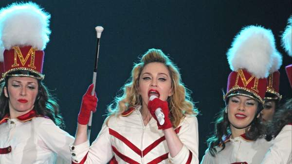 Madonna actúa en Moscú