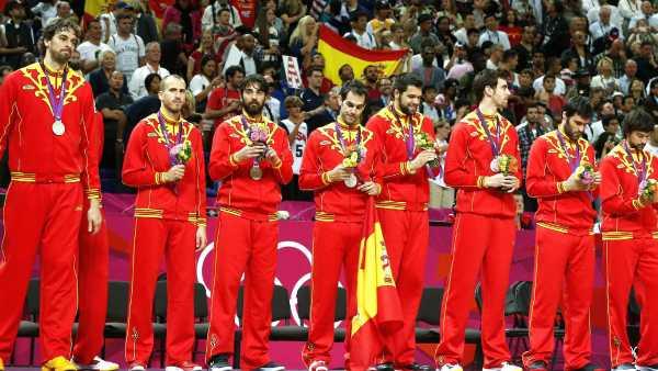 España en el podio de baloncesto