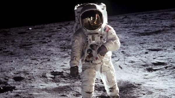 50 años de la llegada a la Luna - cover