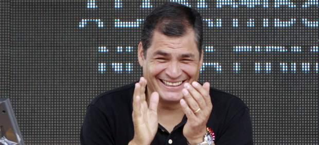 Correa sonríe