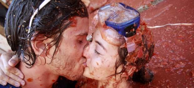 Besos con sabor a Tomatina