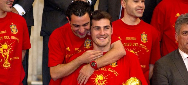 Iker Casillas y Xavi Hern�ndez