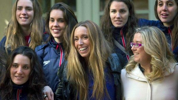 Anna Tarrés con las chicas de la 'sincro'