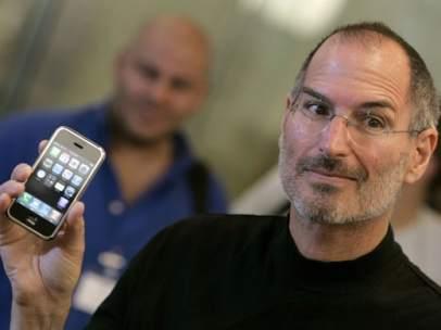 Steve Jobs con el iPhone