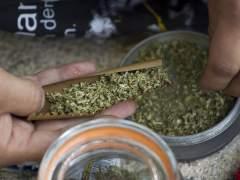 ¿Cuánto tiempo se queda el rastro de marihuana en el pelo?