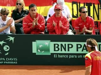 El equipo anima a Ferrer