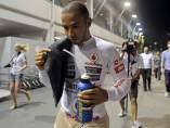 Hamilton abandona en Singapur