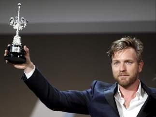 Ewan McGregor recibe el Donostia