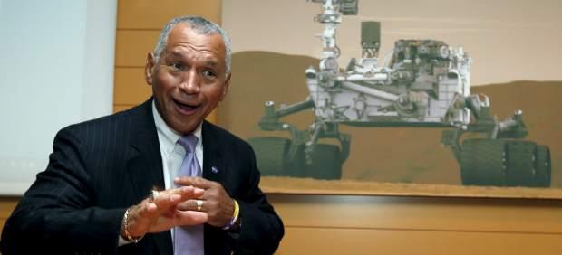 La NASA dio una charla para animar a los jóvenes a estudiar las maravillas de la ciencia