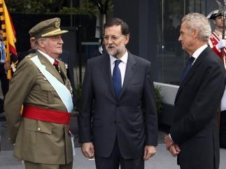 Rajoy y el rey, juntos en el desfile
