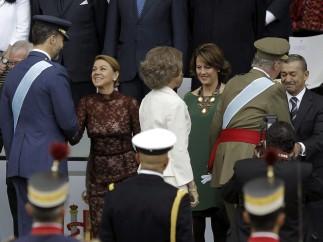 Los reyes saludan a los presidentes autonómicos