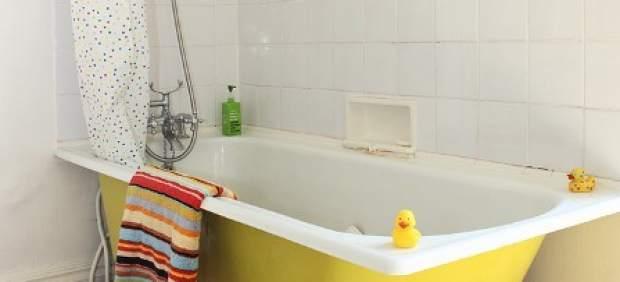 Año nuevo, color nuevo: cómo pintar paredes y suelo del baño ...