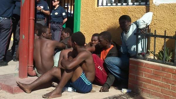 Inmigrantes en el CETI de Melilla