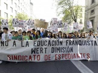Los estudiantes españoles salen a la calle