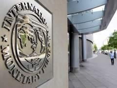 """El FMI cree que en la eurozona hay """"demasiados bancos débiles"""" y que debe reducirse su número"""