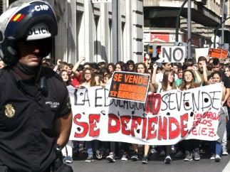 Estudiantes y padres toman las calles
