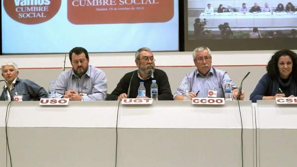 Varios líderes sindicales