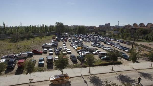 Solar lleno de coches en Madrid