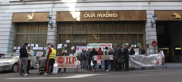 Protesta ante la sede de Bankia