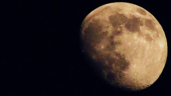 La sonda China en la Luna envía su primera imagen panorámica