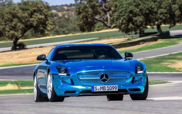 Mercedes benz lanza la versi n el ctrica de su m tico for Mercedes benz deportivo