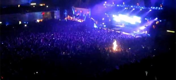 Bengalas en el Madrid Arena