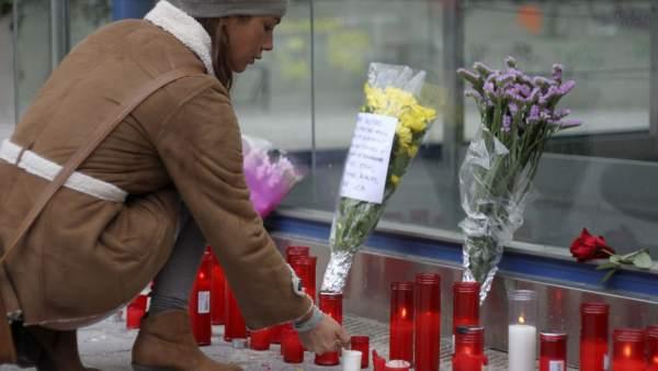 Flores por las víctimas del Madrid Arena