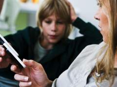 ¿Los profesores pueden acceder al móvil de los alumnos? Y otras respuestas de protección de datos en colegios
